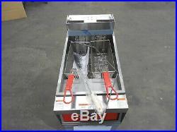 2976 New S/D Vulcan Electric 50 lbs capacity deep fryer 1ER50A-208V