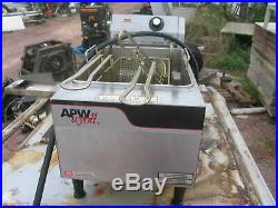 APW Wyott EF-15N Electric 15lb. Countertop Deep Fryer Full Pot