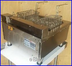 Apw Wyott 30lb 24 Full Pot Countertop Fast Recovery Electric Deep Fryer, Ef-30i