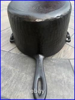 CHF Hammered Cast Iron Deep Fryer 90. (D-10)