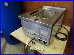 Commercial Countertop Electric Deep Fryer (ex demo never used)