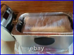 Delonghi Dual Zone Deep Fryer- 3 lb. Capacity- New