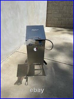 New Bayou Classic 700-701 4 Gallon Propane Stainless Steel Deep Fryer & Basket