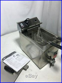 Vollrath 40709 15 lb. Commercial Countertop Deep Fryer 208-240V